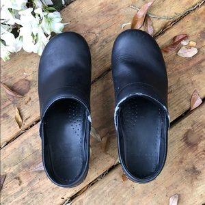 Dansko Professional black clogs GUC leather upper.